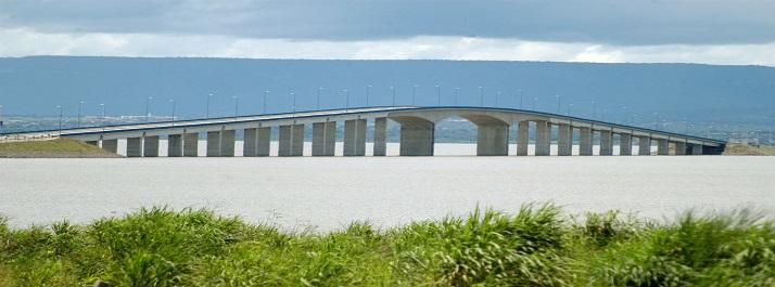Ponte Fernando Henrique Cardoso - ponte que liga Palmas à Paraíso - foto: Frederck Borges